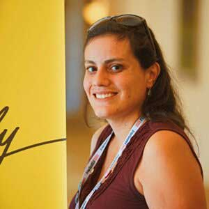 personal finance blogger - Elle Martinez