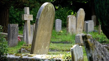 grave markers and tombstones